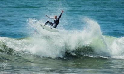 Ripping artist, ripping surfer
